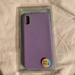 Pastell lila iphone skal för iPhone X. Säljs då jag jag fick fel skal. Köparen står för frakt.
