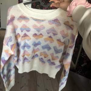 Oanvänd tröja i storlek M