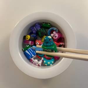 """Asså hur söt är inte vår """"Mini Octopus""""-ring i blågröna färger!! 🐙💚🥺💙 (Finns i alla storlekar & färger)"""