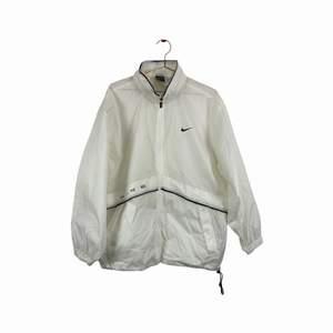 Väldigt unik vintage Nike jacka size medium.