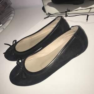 Fräscha ballerina skor från Rizzo Endast använda inomhus