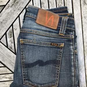 Nudie jeans i strl W25L32. Ge gärna ett bud!