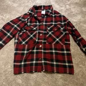 """Superfin """"flanell skjorta"""" från Zara. Knappt använd❤️"""