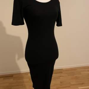 Klänning som endast är använd ett fåtal gånger. Storlek: XS