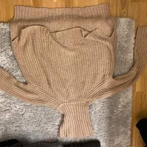 En lite mer oversized stickad tröja
