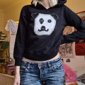 Hoodie med panda av märket push girl💚 barnstorlek men är typ som en xs (jag brukar ha xs-s)