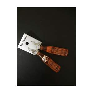 Säljer ett nya fanta örhängen. Pris 35kr köparen står för frakt. Vill du se mer på örhängena pm om du är intresserad.