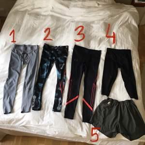 Tights både korta & långa och shorts för män. Använda men i bra skick (självklart tvättade).  Nr 1: Nike strl S, 130kr.  Nr 2: Skins SÅLD.  Nr 3: Under Armour strl M, 130kr.  Nr 4: Under Armour strl S, 100kr. Nummer 5: Skins strl M (lite mer nötta).