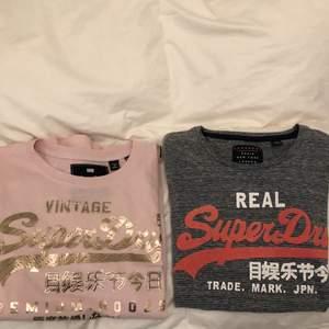 Coola T-shirts från Superdry. Den rosa är i strlk S (36), gråa i strlk XS (34) men de sitter ganska lika, rosa är bara lite mer oversized på mig som är 160cm lång. Säljer båda tillsammans för 150kr eller separat för 85kr. Kan mötas upp eller fraktas för ett diskuterbart pris.