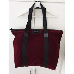 Burgundy Day Birger Et Mikkelsen Bag. Onesize. Haven't been in much use, so in good condition