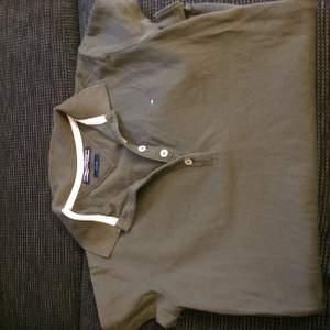 Fin camouflage grön skjorta, från Tommy hilfiger🌺