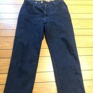 Grymt fina MarinBlåa vintage Jeans