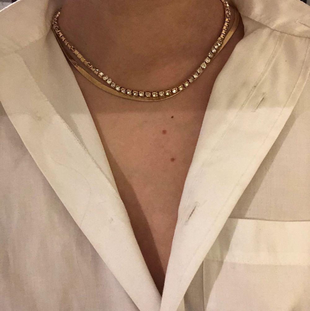 Alla halsband 40kr/st. Gäller ej det platta halsbandet . Accessoarer.