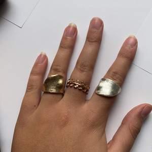 Säljer dessa tre ringar, styckpris 50 kr. Säljer pga ingen användning. Köpare står för frakt 22 kr.