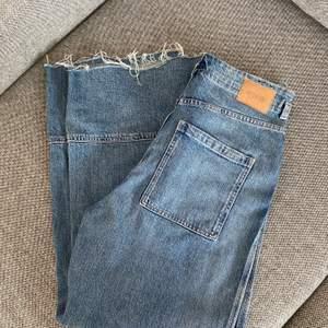 Wideleg jeans från weekday, knappt använda. Köpare står för frakt.
