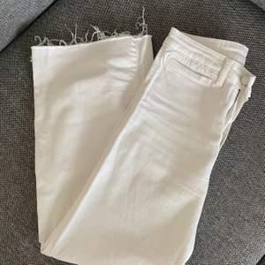 Vida jeans från h&m, knappt använda. Köpare står för frakt.