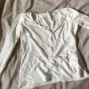 Vit tröja från oddmolly i strl 0💘