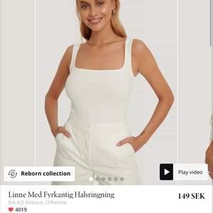 Helt oanvänt linne ifrån NAKD i storlek XS. PRISLAPPEN KVAR! Säljer då den inte satt på mig som jag ville😅 säljer för 100kr + 42kr frakt💖