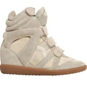 Populära Isabel Marant skor i stl 38. Jätte fint skick. Man betalat frakt själv eller hämtas upp i Göteborg.