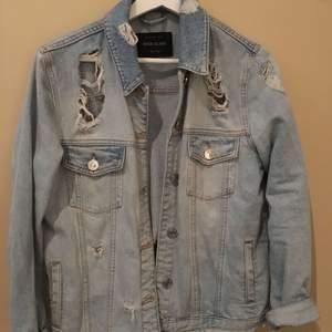 Cool jeansjacka ifrån river island