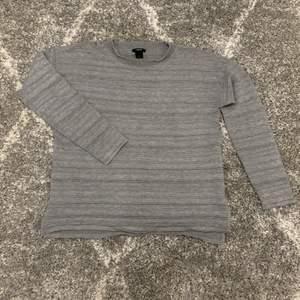Grå snygg långärmad tröja