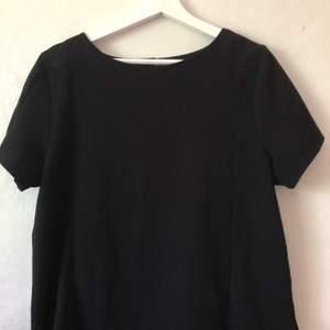 Finare T-shirt köpt i en butik i London. Knappt använd