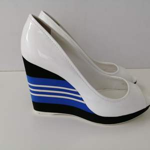Prada wedges, excellent condition, authentic,                 size 35.5/insole 23cm, high heels 10cm, write me for more info
