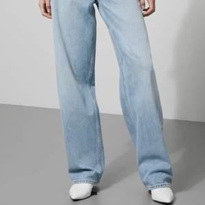 weekday jeans i modellen rail. W26 L32