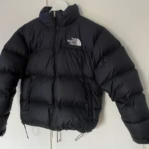 The North Face Nuptse Storlek - Medium Skick - 8/10  Pris 1600