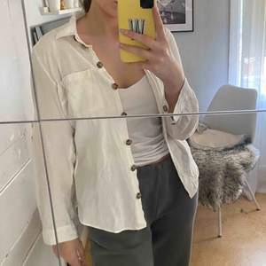 Linneskjorta från hm🤩  Frakt 50kr💕