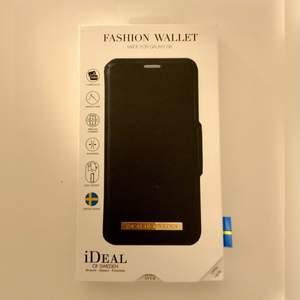 Svart plånbokskal till Samsung Galaxy S8 från Ideal of Sweden. Helt oanvänd, säljs pga att jag fick hem  fel vara när jag beställde. Ifall fler är intresserade kan det budas i kommentarerna/DM.☺️💓 Ordinarie pris: 399kr
