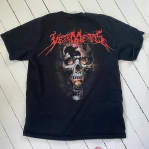 En gammal T-shirt från Vetements. köpt på Dpop 2019. osäker på äkthet. Inga defekter
