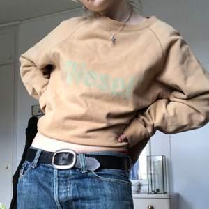 Fett fin sweatshirt från Diesel! Står L, men passar på mig som är en S!