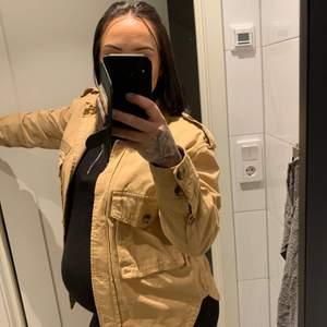 Beshka beige jeans jacka, storlek S