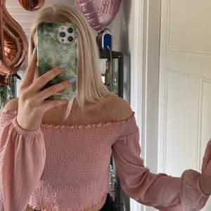 Rosa offsoulder topp från H&M