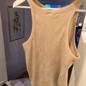 Säljer detta ribbade linne från h&m 💫 frakt 42 kr