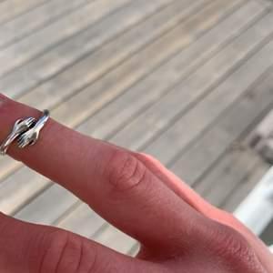 Skriv om du är intresserad💕💖 Ring i sterling 925 silver
