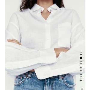 en superfin linneskjorta ifrån zara! väldigt skrynklig på bilden men går att stryka. orginalpris 349kr. köparen står för frakt 📦