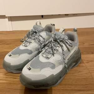 Balenciaga liknande skor! Storlek 38. Aldrig använda!