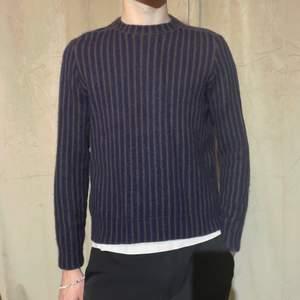 """Ullstickad tröja från Acne Studios. """"Kite stripes"""" Passar som en M. Finns fler bilder! Jag är 182cm lång"""