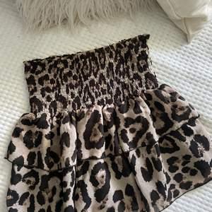 Leopard kjol från Loavies i storlek S 🐆🐆