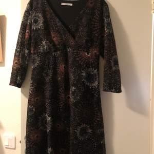 Aftonklänning storlek L, mycket bra kvalitet tillverkat i Frankrike