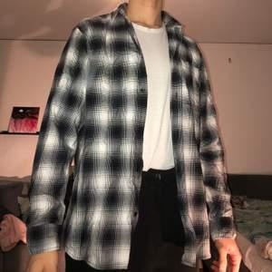 Helt ny Flanellskjorta från JackandJones. Storlek XL