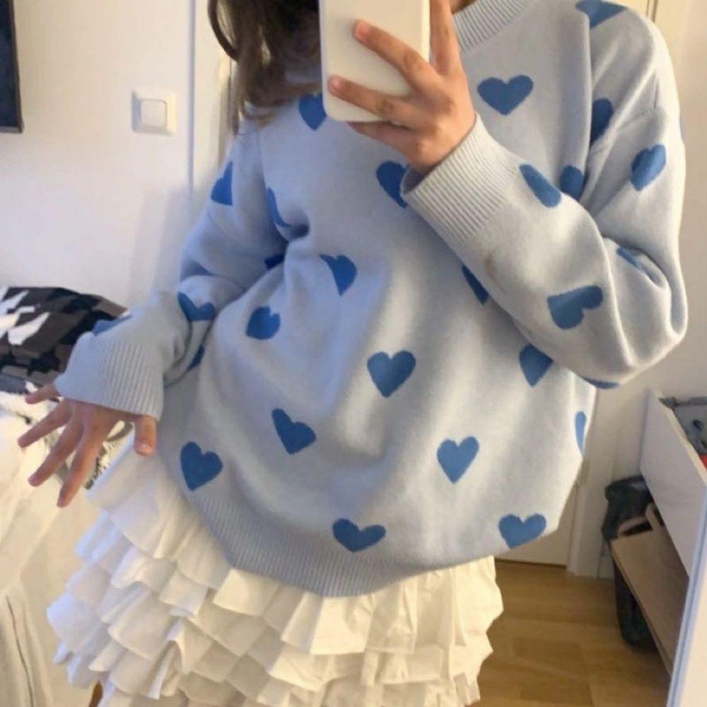 Säljer min fina tröja från shein! Har använt ett fåtal gånger, väldigt bra skick. . Huvtröjor & Träningströjor.