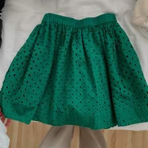 Hej! Säljer denna super fina kjol från &other stories. Tyvärr kommer den inte till användning! Använd ca 3 gånger! Köpte för några år sen. 💗💗💗