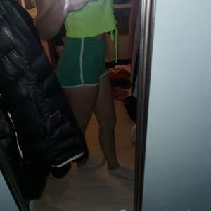 Gröna shorts från Cubus i strl 158/164. Köparen står för frakt.🥰