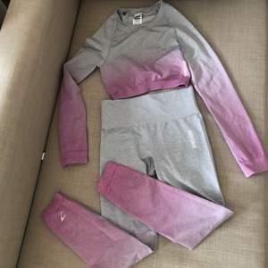 Gymshark i ombre grå rosa. Slut såld på hemsidan. Det oandvönd. 💗 originalpris ( 400kr + 800kr )