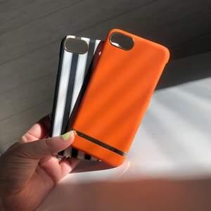 Två stycken richmond and filch skal till iPhone 8. Både har småa märken se bild 2 och 3. Köpta för 350kr styck. Säljer båda för 250kr eller 1 för 150