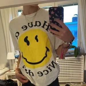 Säljer denna Ganni liknande tröjan från Zara som inte går att köpa längre! Den är väldigt snygg och bekväm men säljer för har många liknande. Kom privat vid intresse eller frågor ❤️ frakt tillkommer🤝