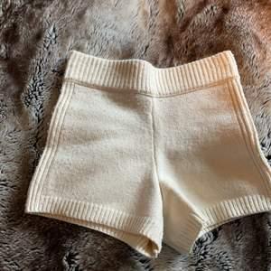 Säljer ett par så sköna o fina tyg shorts